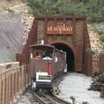 entrada en tren a la cueva